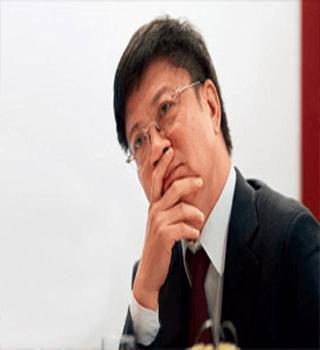 """""""资产猎人""""孙宏斌"""