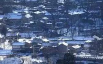 触动心灵 点评分享:诗人王峰的诗作《村庄夜雪》