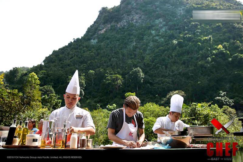 谢霆锋《名厨》扳回一局 将中国油条融入菜品