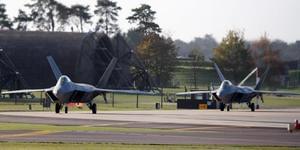 在莱肯希思空军基地起飞执训的美军战机