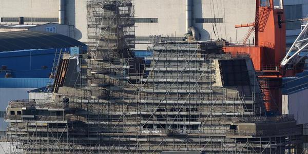 首艘国产航母舰岛最新高清照曝光 或将下水