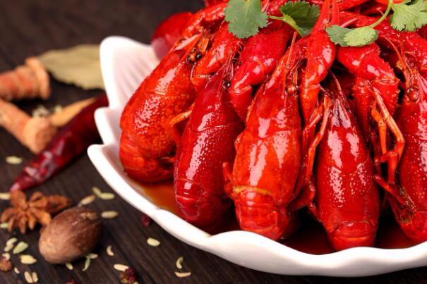 我们的目标是:到2020年,荆州年产小龙虾50万吨!