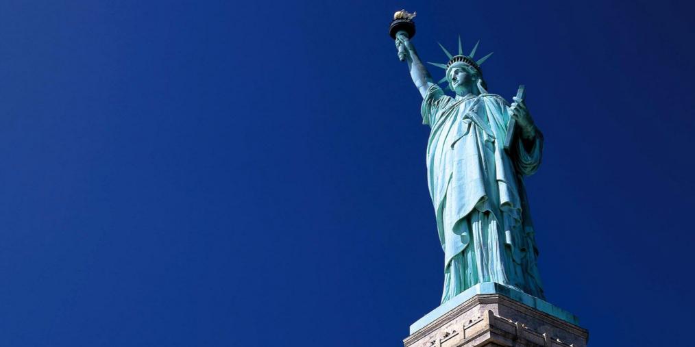 人民日报称过半美国年轻人担心国家未来