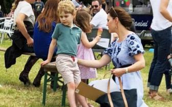 凯特王妃带儿女参加赛马会 穿的裙子只要70美元