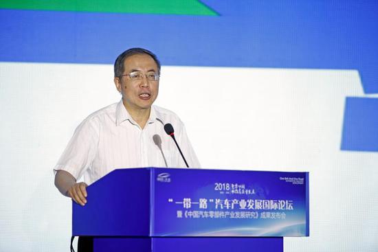 中国企业联合会常务副会长兼理事长 朱宏任