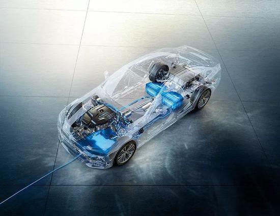 宝马发布无线充电技术 3个半小时充满7月份投产