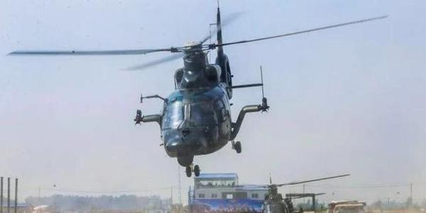 陆航旅9架直升机紧急升空出动参加首飞