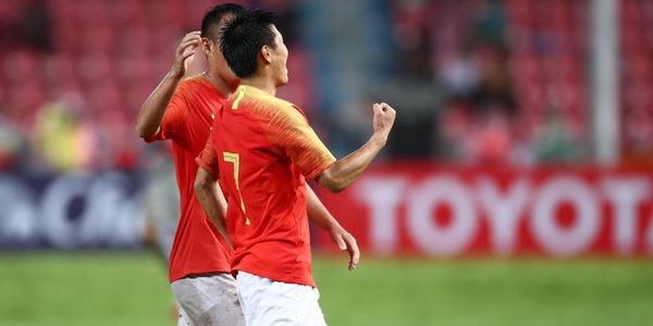 武磊2球郑智百场 国足客场2-0泰国