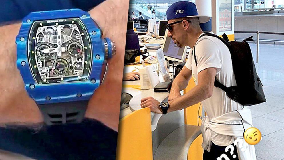 壕!里贝里戴12万欧手表度假 全球限量只有150块