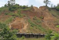砖厂取土削平半个山头