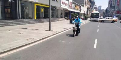 昨天37℃ 重庆路步行街的人都哪去了