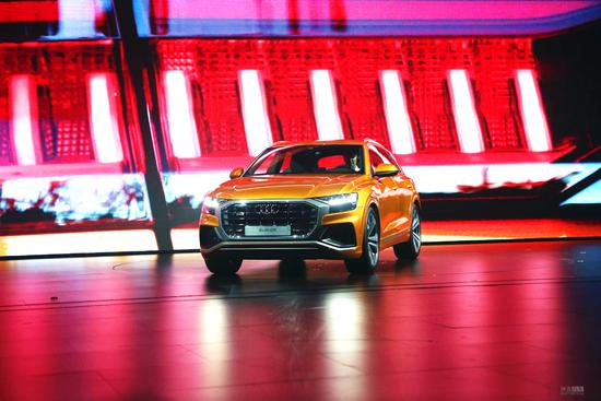家族新成员/旗舰轿跑SUV 奥迪Q8全球首发