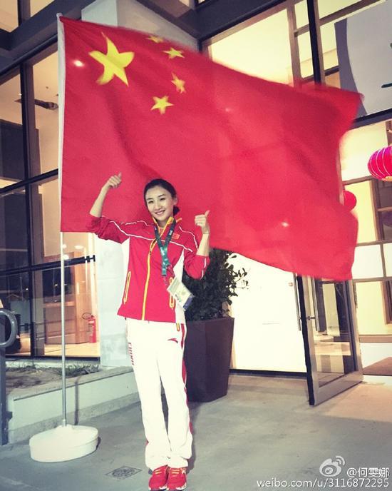 专访何雯娜:19岁成最美奥运冠军 曾险遭截肢哭红眼 百万奖金孝敬父母