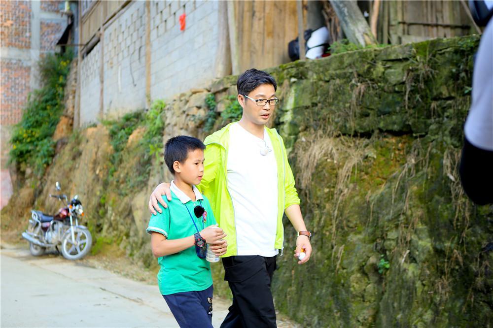 王迅环保意识获好评 《极挑4》走进深山陪伴山区儿童