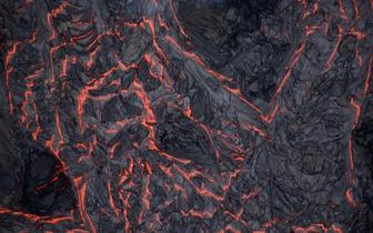 俯瞰夏威夷火山喷发 岩浆所经之处一片荒芜
