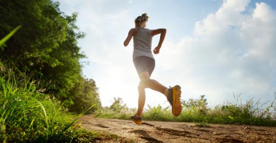 夏天跑步装备选择更重要 防晒透气是重点
