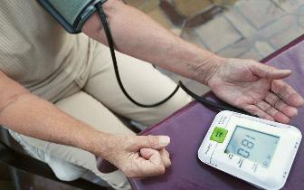 """高血压患者想安稳过夏天用药3个""""雷区""""千万别踩!"""