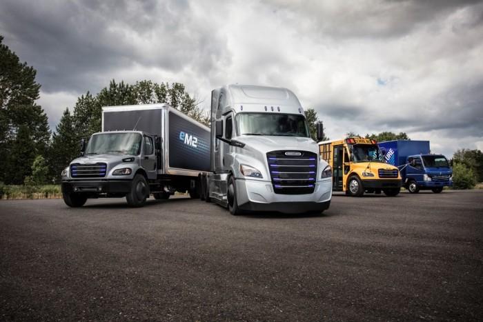 戴姆勒推eCascadia和eM2纯电卡车
