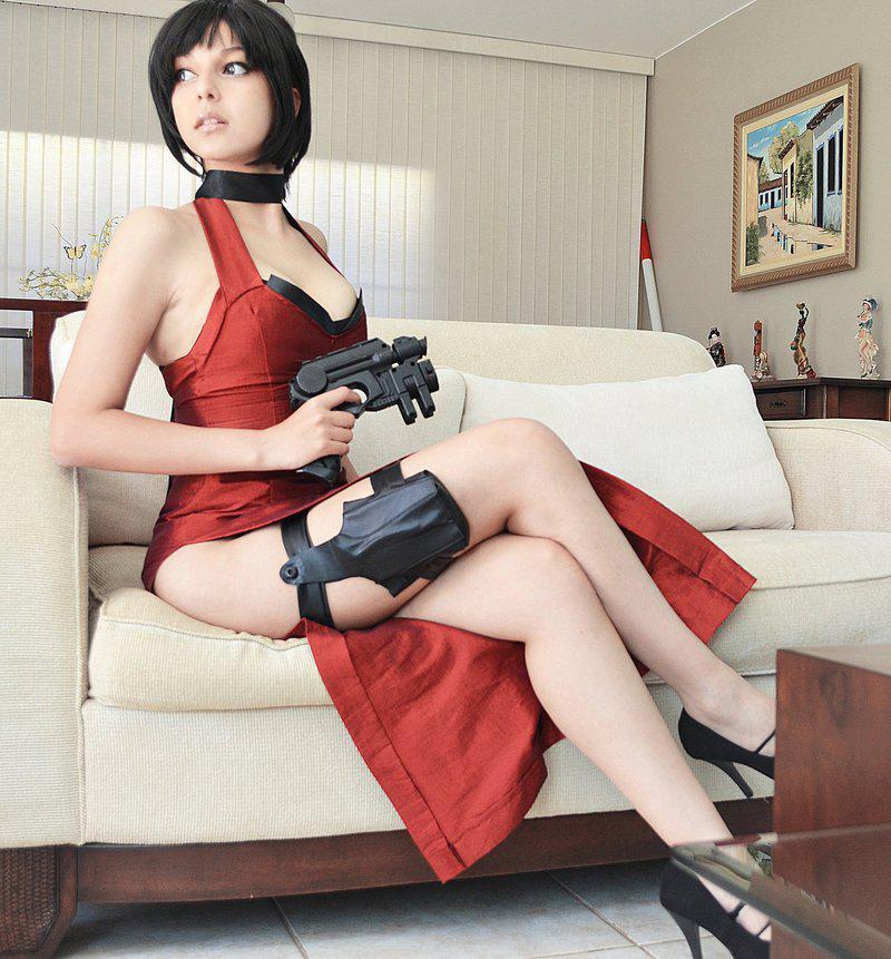 红蓝女女CP!分饰两角《生化危机》COS艾达·王和吉尔