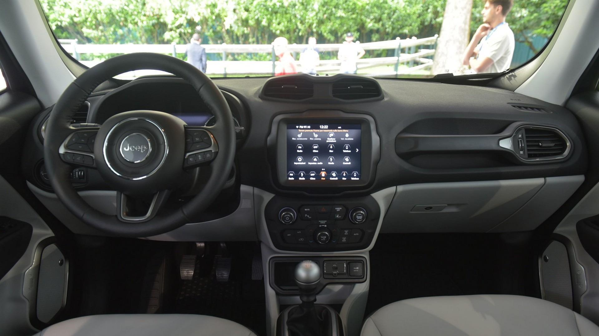 新增1.0T三缸发动机 中改Jeep自由侠实车曝光