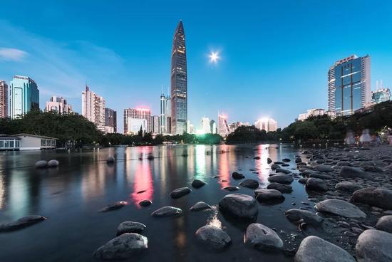 深圳出台20年最强房产新政 本科毕业生可6折买房