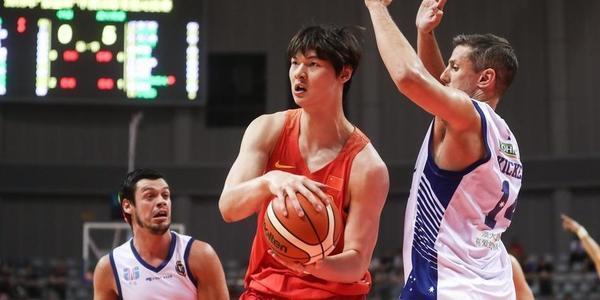 男篮红队55-58NBL联队 大王20分