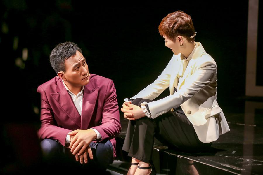 《青春同学会》胡军演绎舞台版贺涵 获公演观众好评
