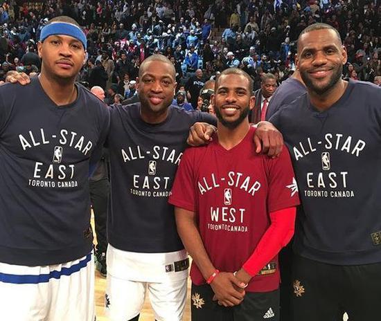 韦德:詹皇决定无关篮球 他不会找3个全明星结盟