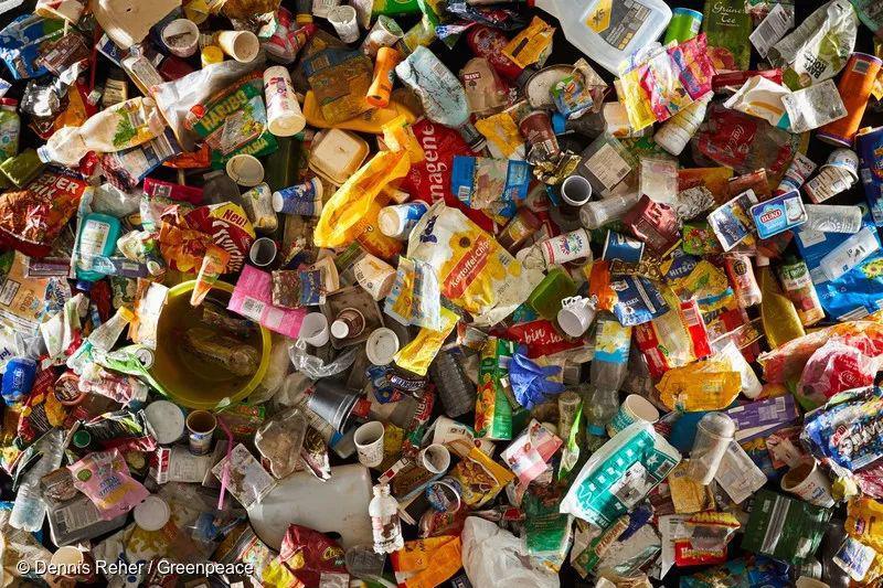造孽!人类造成的塑料垃圾把最后的净土给毁了