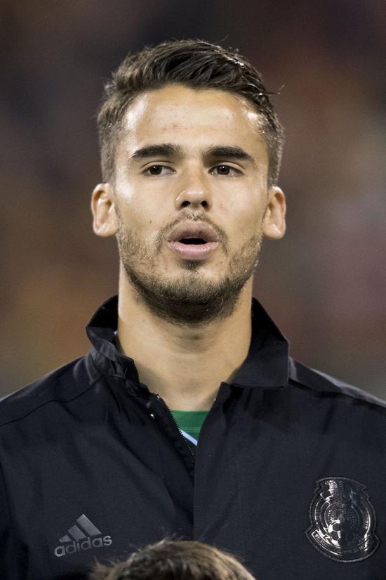 墨西哥宣布主力中卫遗憾伤别世界杯23岁小将入替