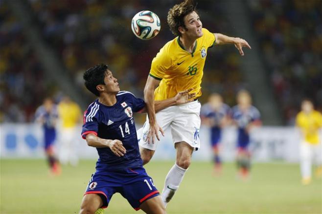世界杯1米89异类,普京让他一夜变俄罗斯人!巴西尴尬了,同位置成最弱一环