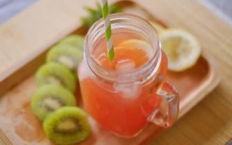 吃不完的蜜桃别扔!做成蜜桃冰茶清热解暑好看还好喝!