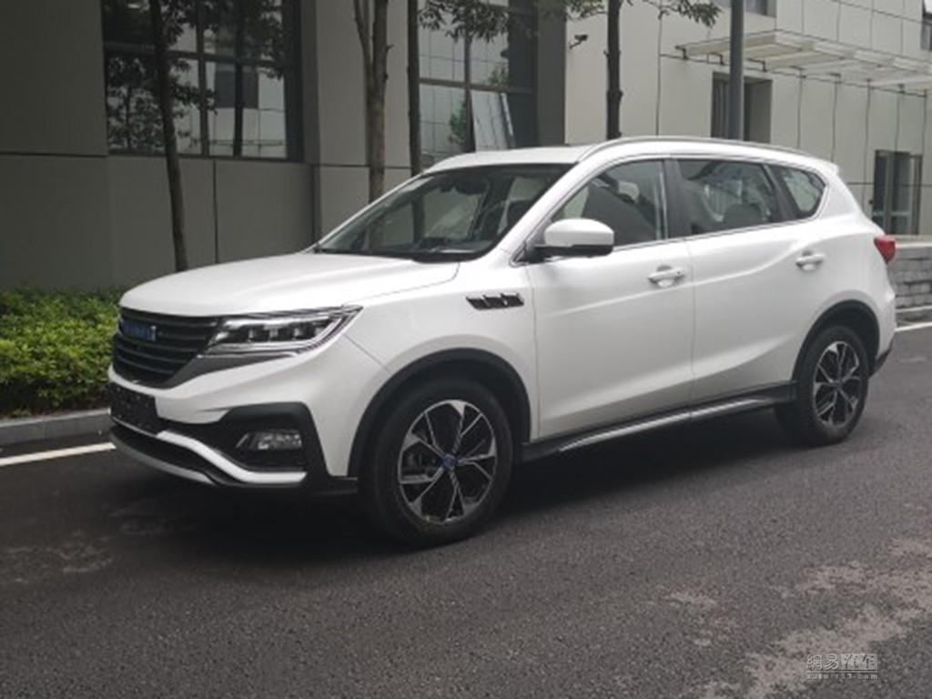 7座中型SUV/7月上市 君马SEEK 5实车曝光