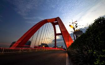 中考后彩虹桥继续维修 预计下月全部完成
