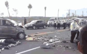 遵化高速出口重大车祸 5人死亡?真相是