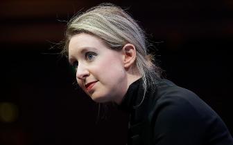 """有人写书揭秘""""硅谷女骗子""""创业史:称其还想再创业"""