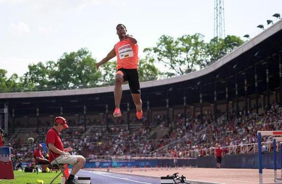 古巴跳远天才8米66再创新高 加特林10秒03夺冠