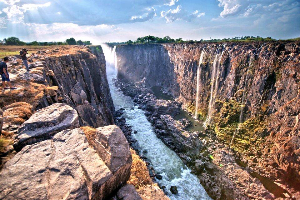 我国游客赴津巴布韦可享落地签