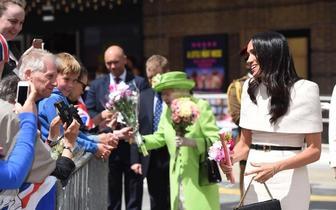 英国女王才不偏心第一次单独带梅根出席活动