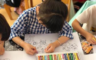 挥就彩笔,助力成长 :台州银行杭州分行涂鸦秀火热进行