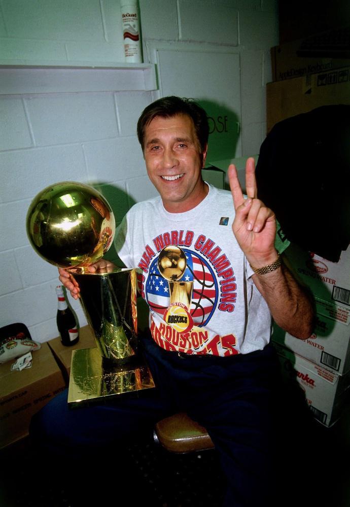 23年前的今天火箭两连冠 永远不要低估一颗冠军的心