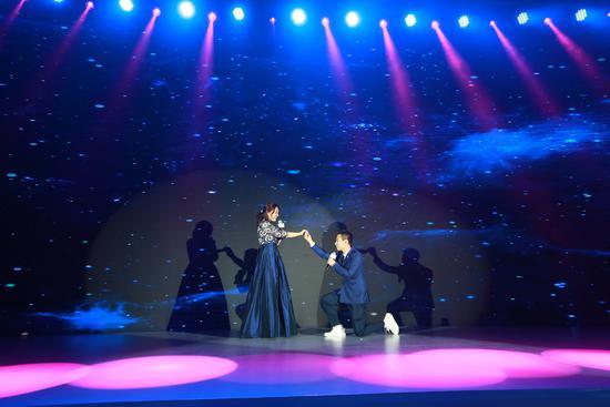 个性赋能世界!新东方第五届留学菁英汇盛典在京举办