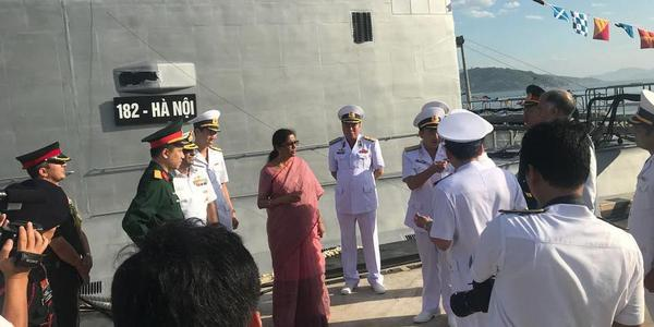印度防长访问越南 两国防务合作再升温