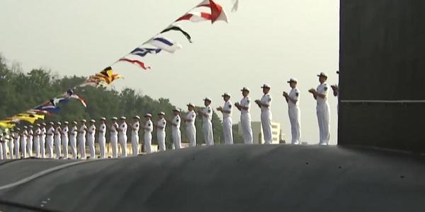 央视曝光海军新型核潜艇 做工精致