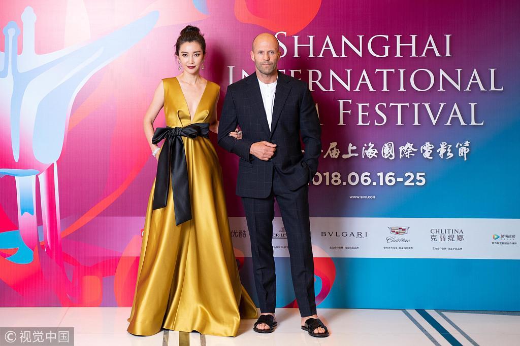 姜文携评委揭幕上影节  杰森斯坦森穿拖鞋上热搜
