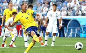 VAR再判点!老队长破门 瑞典1-0韩国