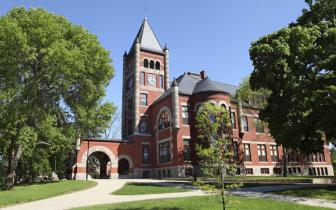 美新罕布尔大学接受中国学生以高考成绩申请入学