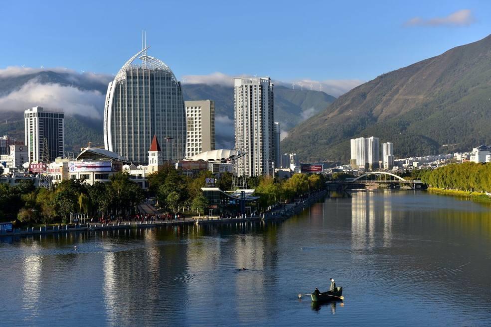 第五届亚洲龙舟锦标赛下月在大理下关西洱河