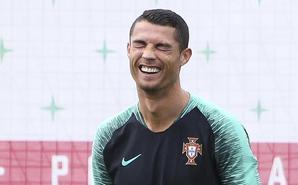 葡萄牙训练 C罗心情大好