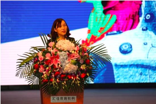李艳丽   北京市私立汇佳学校副校长、中学部校长